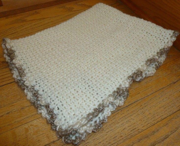 34 inch blanket in progress on 36-peg large gauge round loom Peg ...