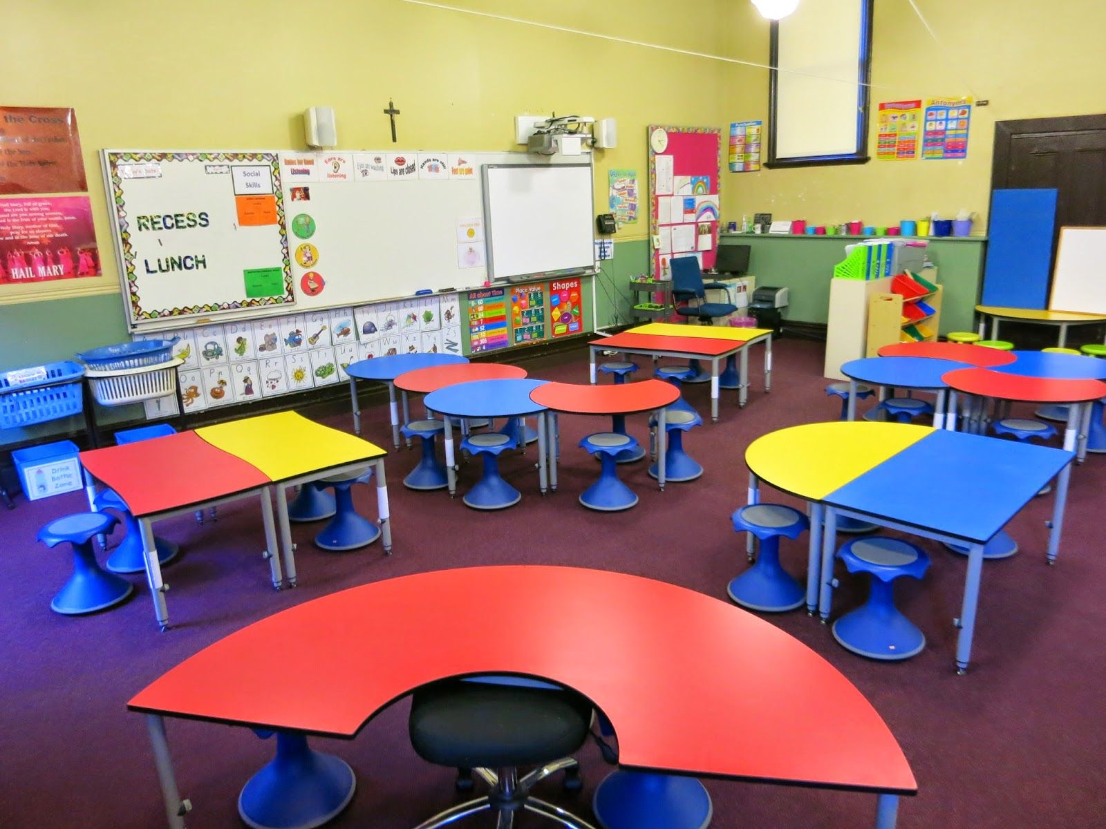 Classroom Design To Promote Learning ~ Bright learning spaces flexible environment