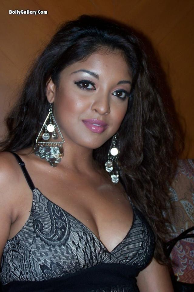 tanushree dutta sexy brüste