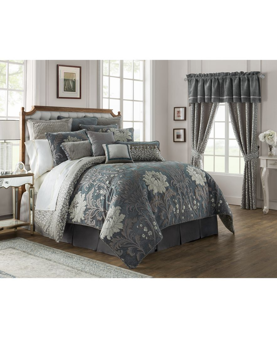 Waterford Reversible Ansonia 4Pc. Queen Comforter Set