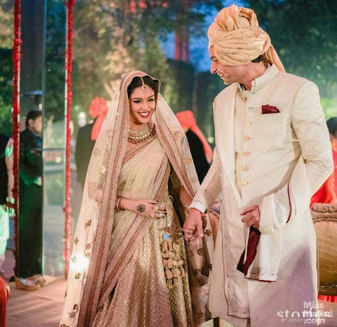 Inside Pictures Asin Rahul Sharma S Wedding Looks As Gorgeous As We Imagined Hindu Wedding Ceremony Actress Wedding Beautiful Wedding Photos