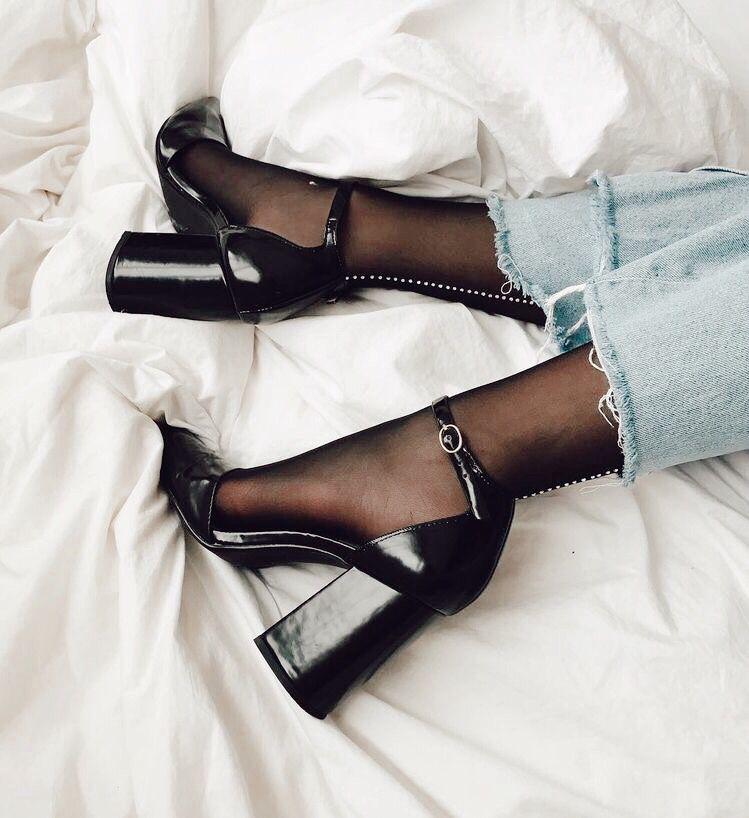 Pin by Aley Solozano on ShoeZ!! | Fashion, Shoes, Fashion shoes
