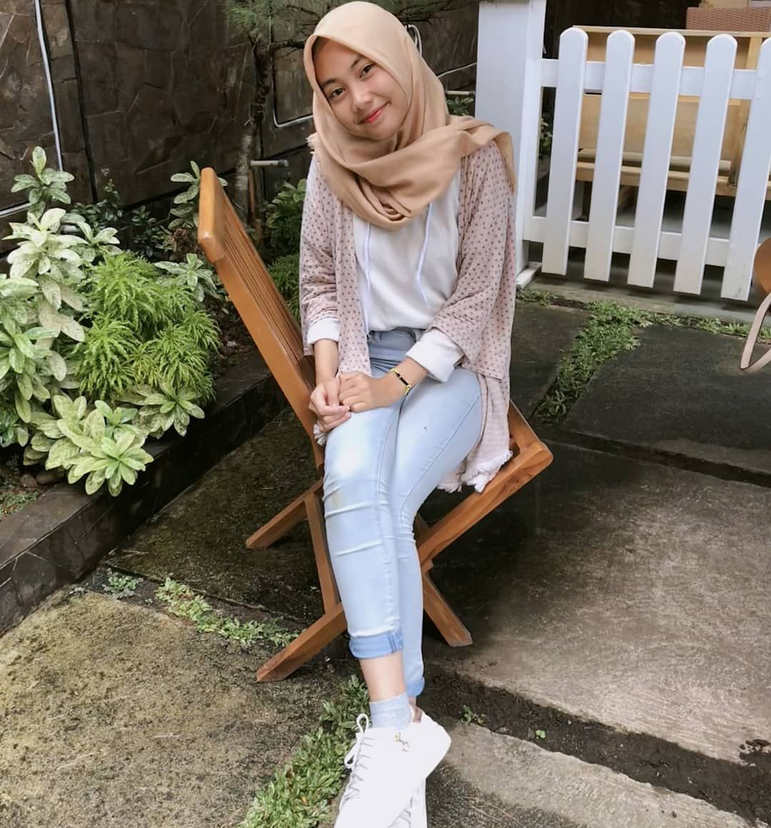 Inspiration hijab style outfit of the day ootd remaja