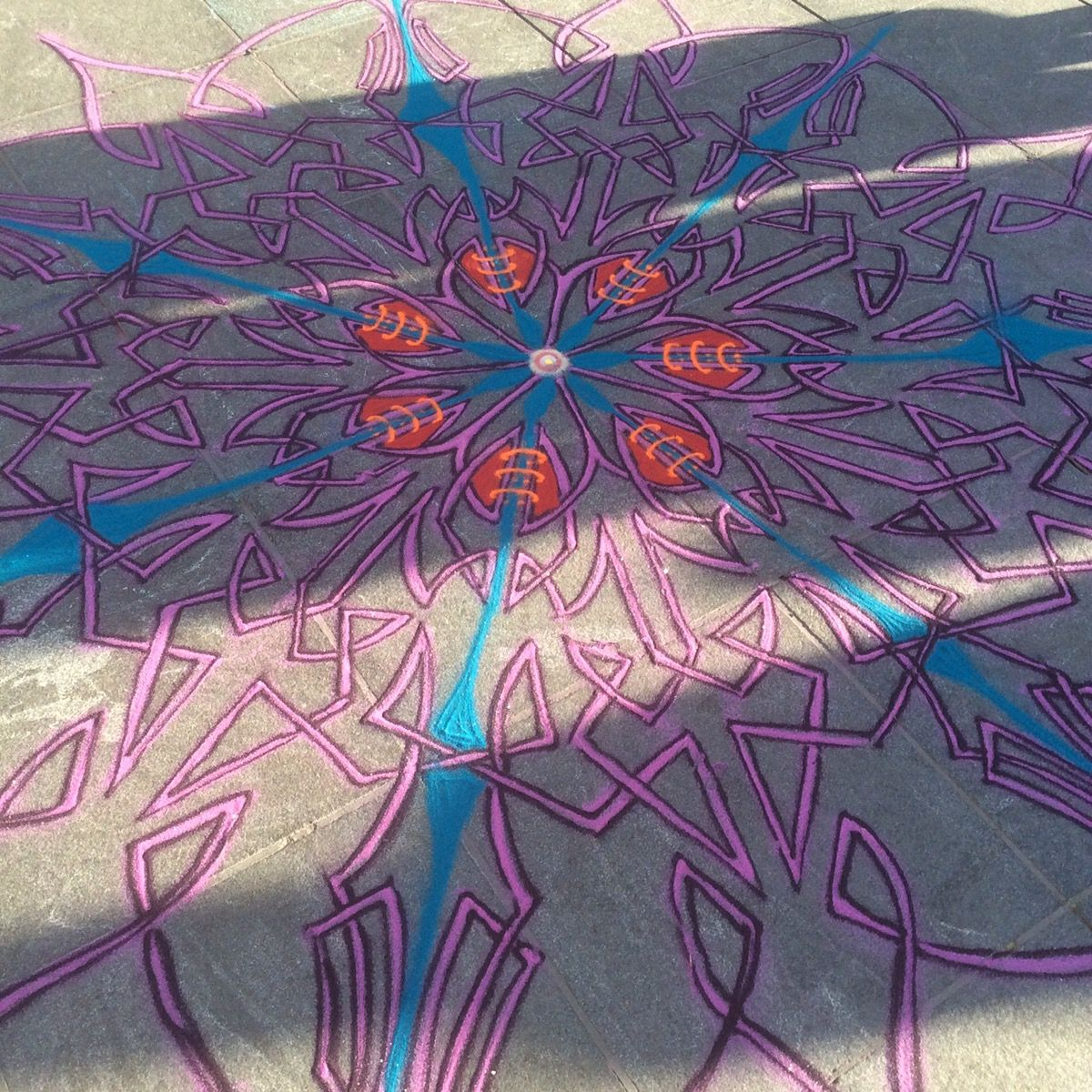 Sand Painting November 12th 2016  Subscribe to exclusive content on Patreon http://bitly.com/tipsbucket Leave a tip https://cash.me/$joemangrum To order T-shirts and more on Etsy: http://bit.ly/joemangrum  Follow me on Facebook http://www.facebook.com/joe.mangrum.art When sharing please include my links Ⓒ 1994-2016 Joe Mangrum http://www.joemangrum.com #sandart #sandpainting #NYC @joemangrum #colorful #art #streetart #art #streetlife