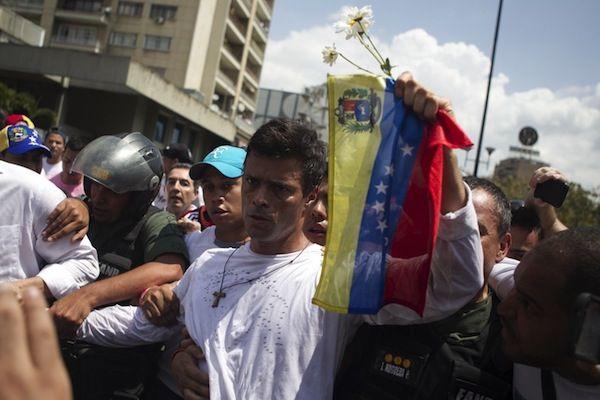 """Leopoldo López asegura que Supremo decretó la """"dictadura"""" en Venezuela"""