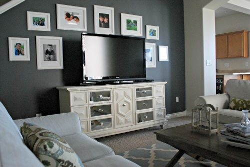 The Intersection Of Design Motherhood Top Lifestyle Blog Design Mom Accent Walls In Living Room Living Room Grey Living Room Wall