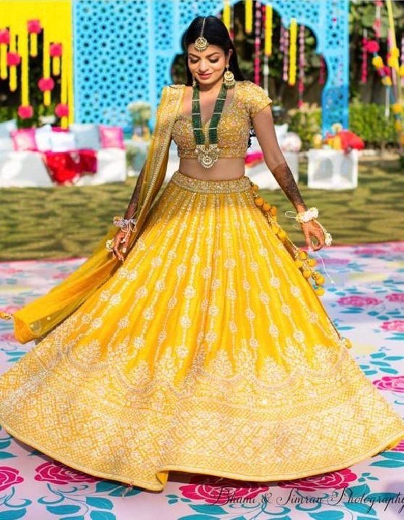 Indian wedding wear Beautiful Exclusive lehenga lengha chaniya choli designer lehenga Indian bollywood wedding style