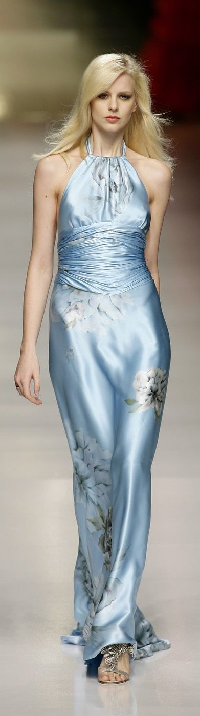 Pin Auf Glam In The Runway