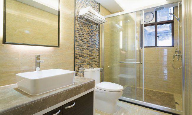 4 trucos para mantener como nueva la puerta de vidrio de la ducha - IMujer