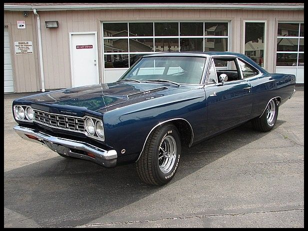 1968 Plymouth Road Runner Mecum Auctions Plymouth Muscle Cars Plymouth Roadrunner Plymouth