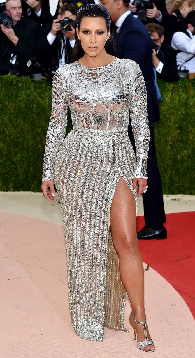 Beyonce Celebrates 37th Birthday By Reflecting On Her Monumental Year In Heartfelt Letter With Images Gala Fashion Gala Gowns Nice Dresses