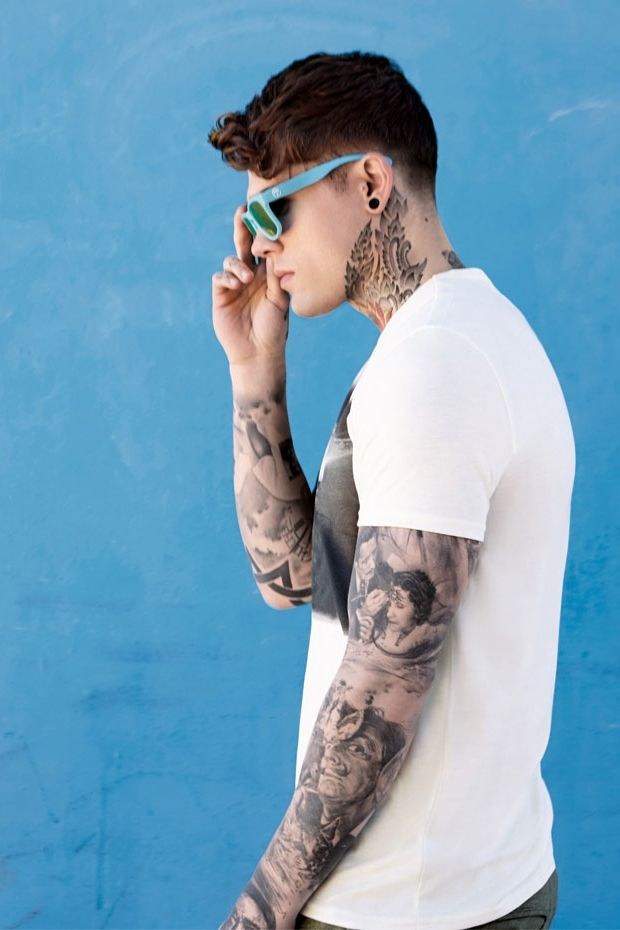 Eye Candy Stephen James Male Model Wayfarers Gauge Neck