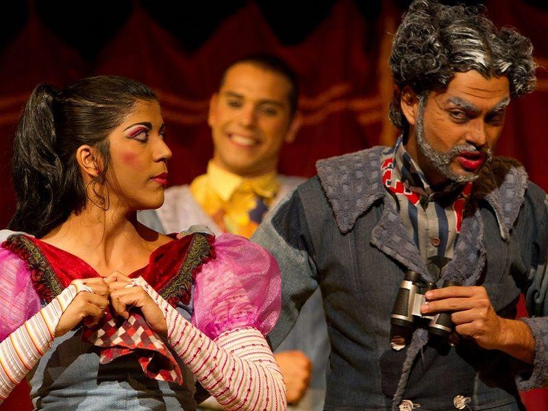 Trupe Ensaia Aqui e Acolá encena 'Amor de Clotilde por um certo Leandro Dantas' nos palcos do Teatro Santa Isabel, nos dias 30 e 31 de agosto. Saiba mais