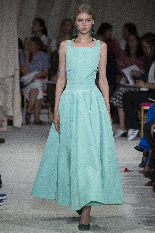 d03fb668f6b Oscar de la Renta Spring 2016 Ready-to-Wear Fashion Show - Katya Ledneva