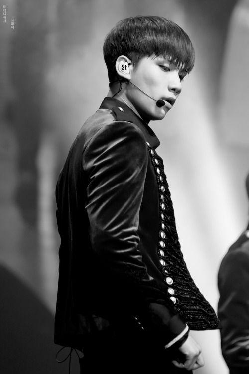 Han Sang Hyuk 한상혁 || VIXX || 1995 || 184cm || Lead Dancer || Vocal || Maknae