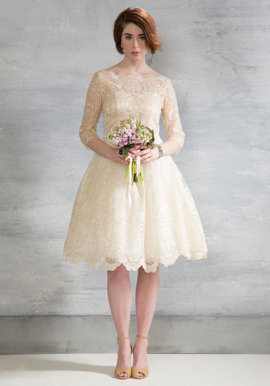 20 Short Wedding Dresses & Gowns | Pinterest | Chi chi, Champagne ...