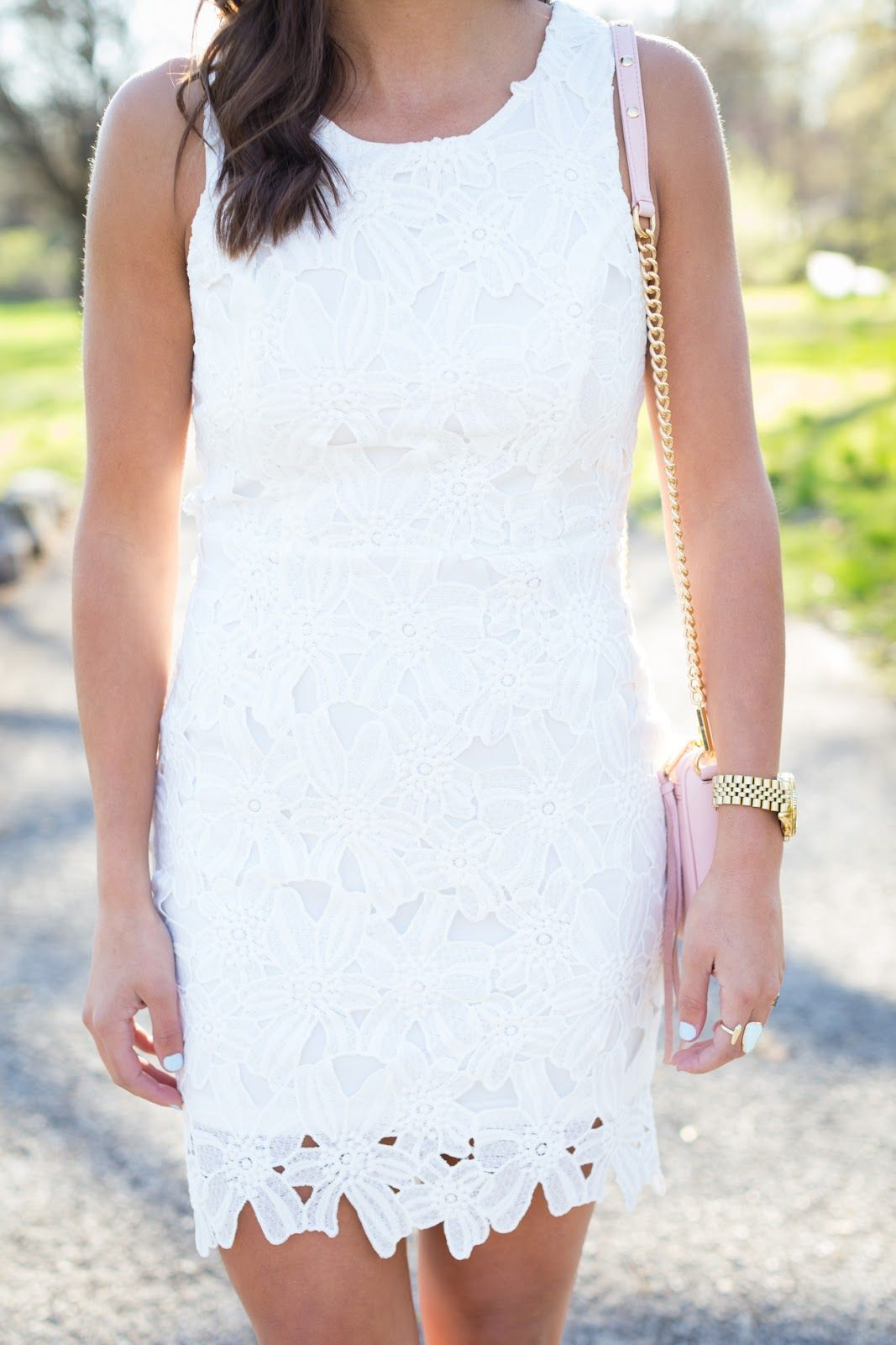 white-lace-dress-1263.jpg 1.067×1.600 piksel