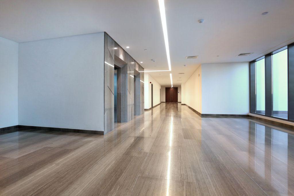 Heberger. klassischer und minimalistischer korridor #oman interior
