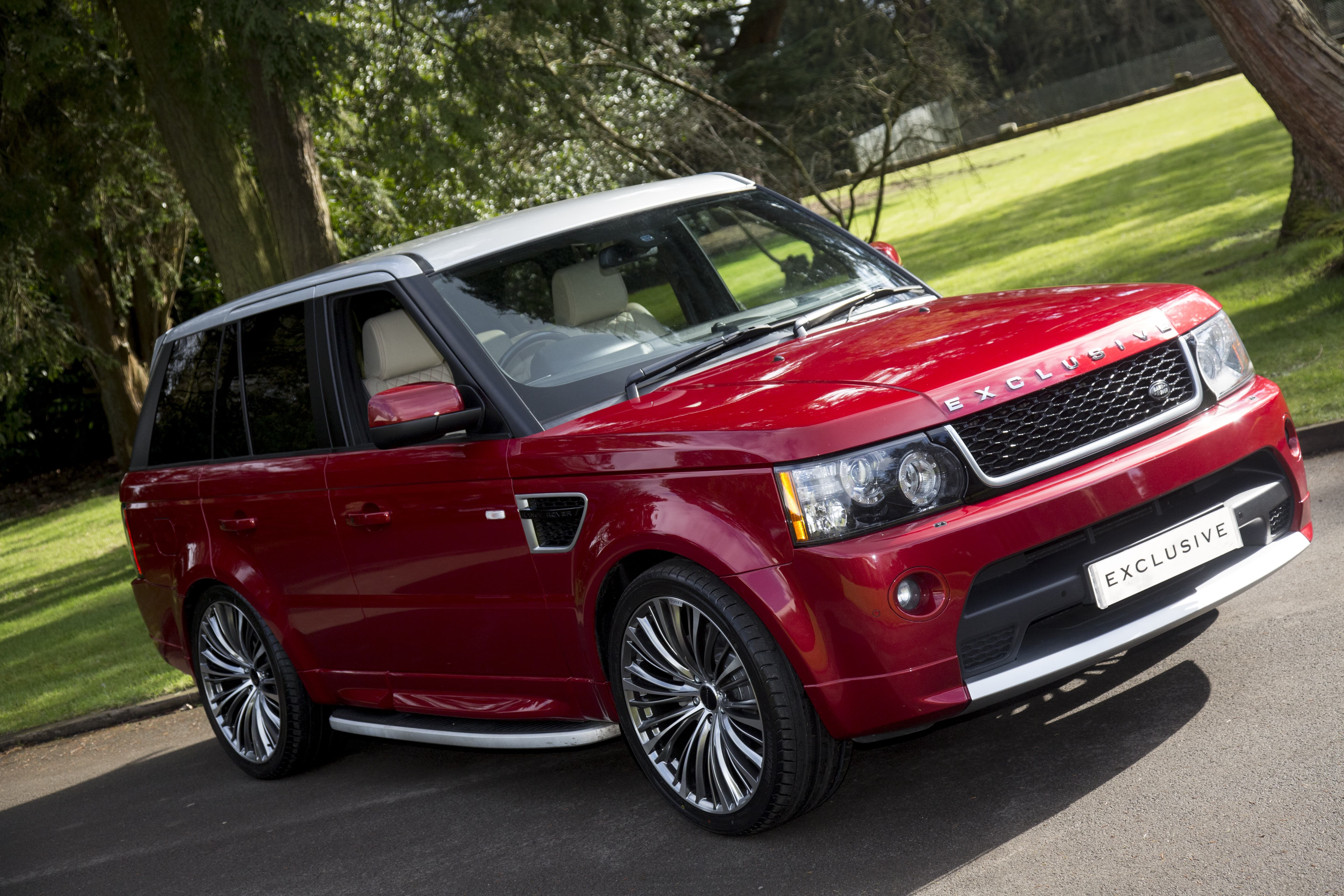 Firenze Red Range Rover Sport Exclusive Silver Floating Roof Avtomobili