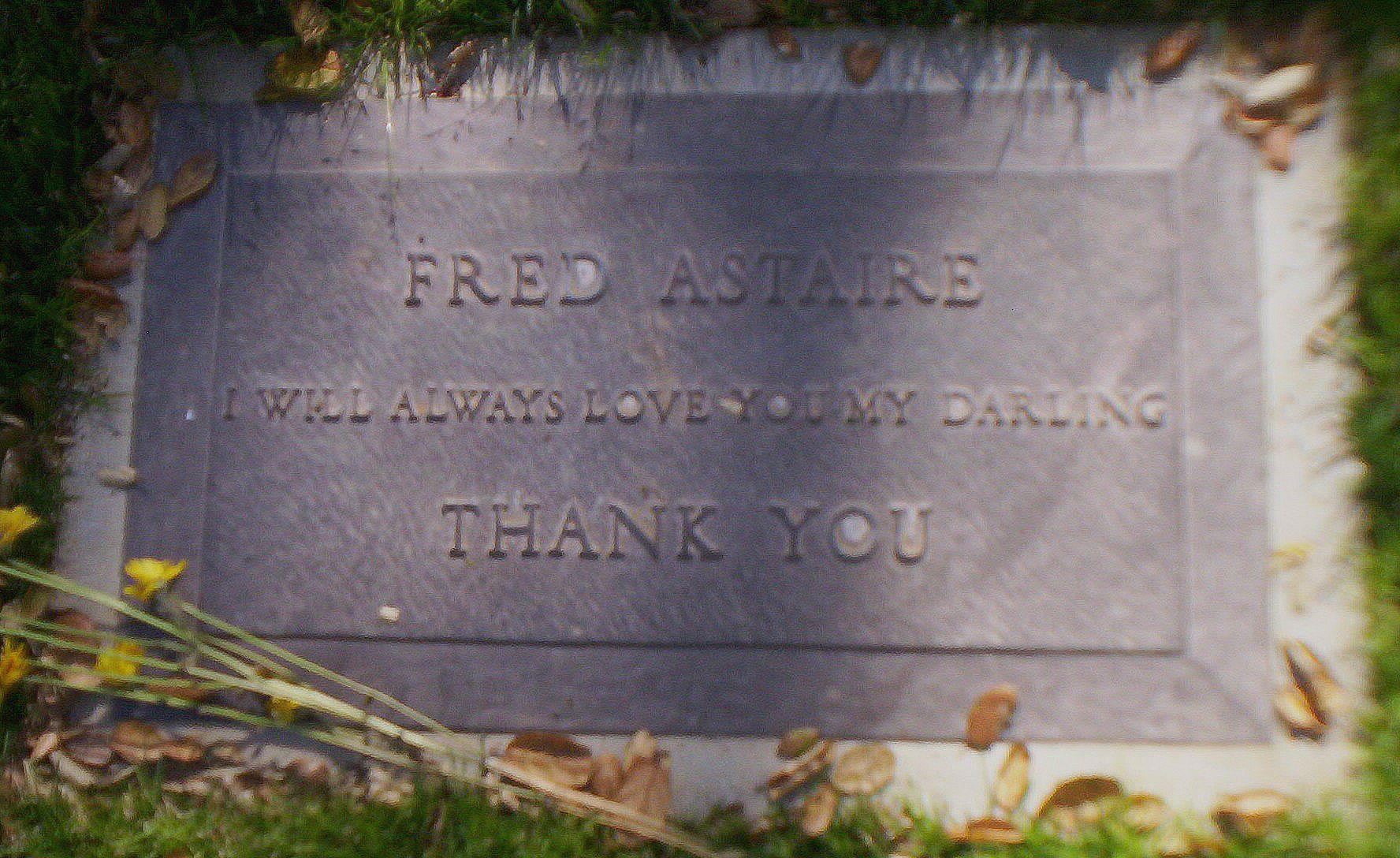 Seeing celebrities' graves at Los Angeles area cemeteries ...