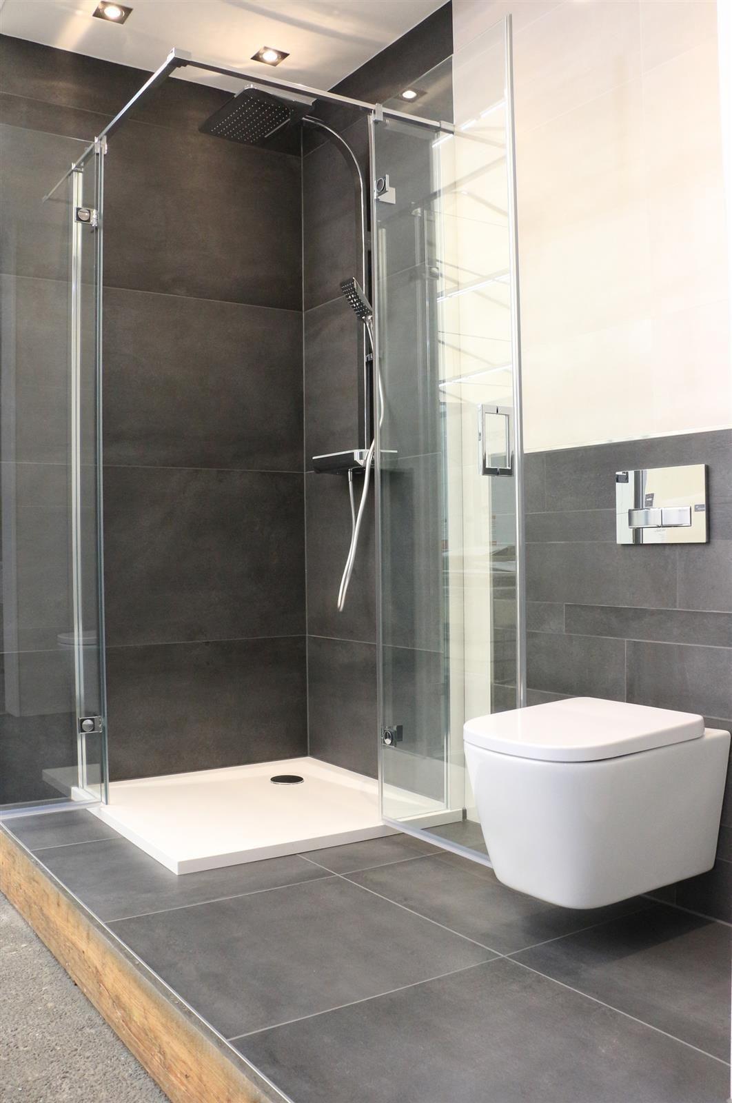 Ein Badezimmer Gebaut Von Den Fliesenlegern Von Frankeraumwert