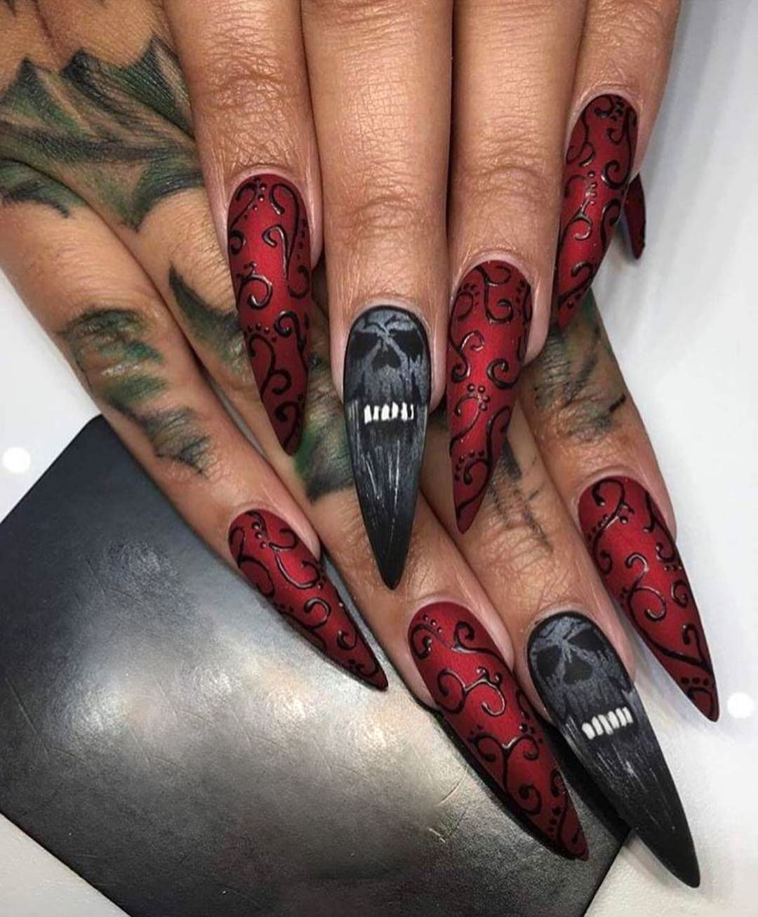 A Review of Cute Easy Nail Designs | Gothic Nails | Skull ...