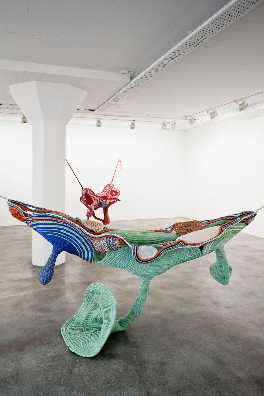 Cores e movimento em exposição de Maria Nepomuceno