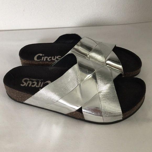 Circus Sam Edelman Slippers Very good condition. Sam Edelman Shoes Slippers