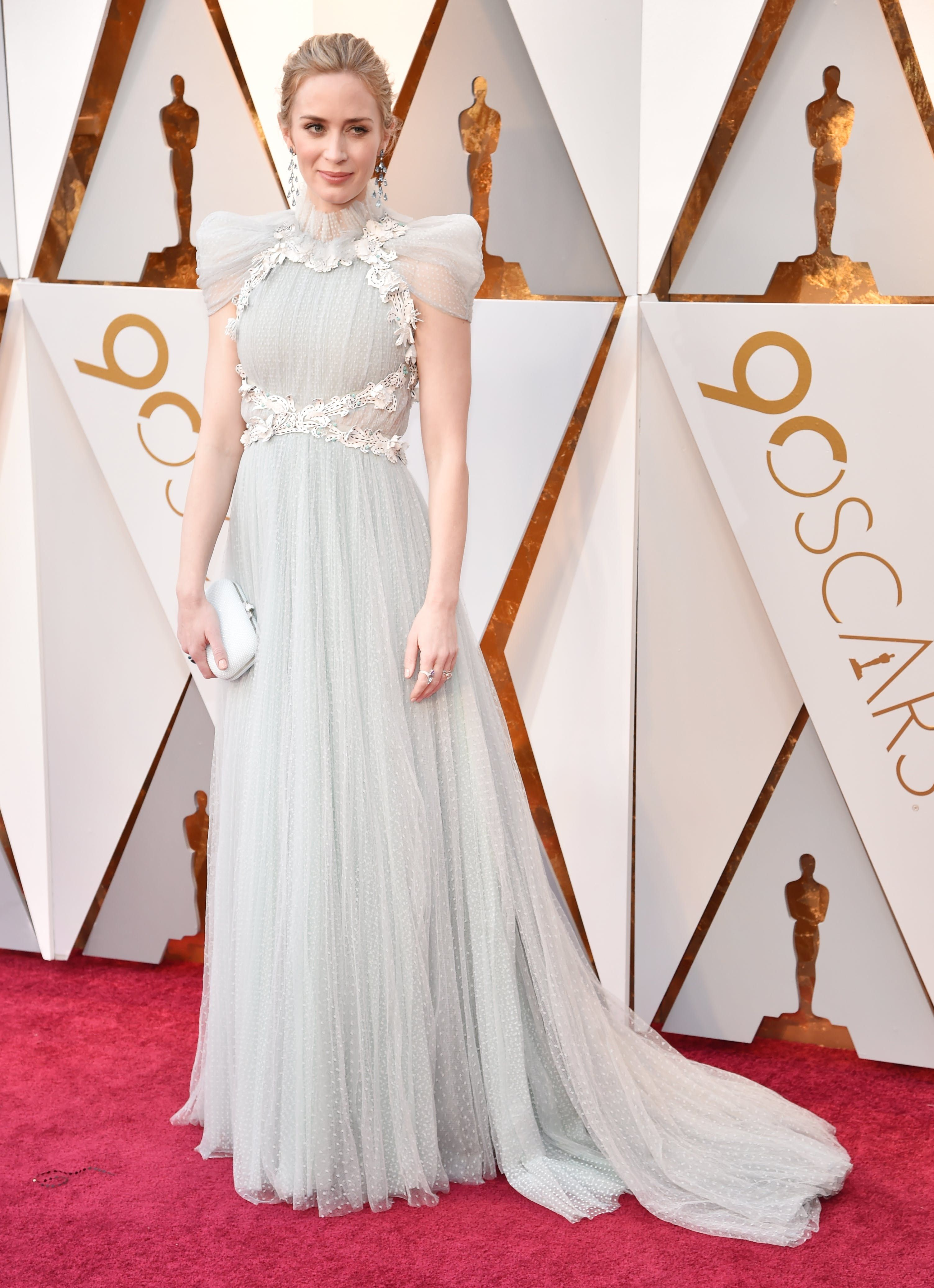 Love her and love this dress! | Nice dresses, Oscar