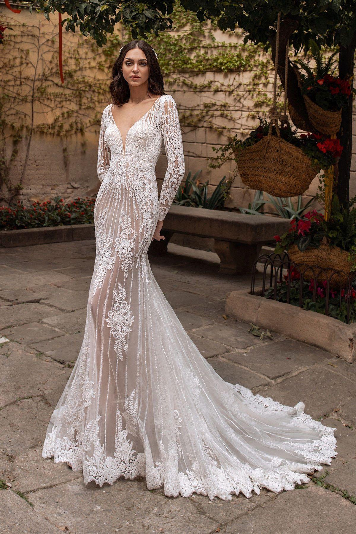 Pronovias Mermaid Wedding Dress Guides For Brides In 2020 Lace Weddings Wedding Dresses Simple Bridal Dresses [ 1800 x 1200 Pixel ]