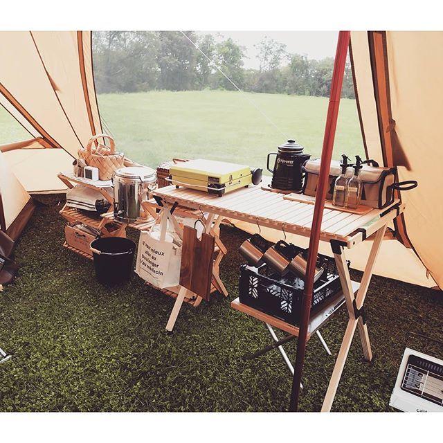 今日のキッチン 夜ごはんは煮込みラーメンだよ キャンプ 北海道キャンプ キャンプキッチン キッチンテーブル 自作 コーナンラック リマ パーコマックス マーベラス キャンプ 北海道 キャンプ コーナンラック
