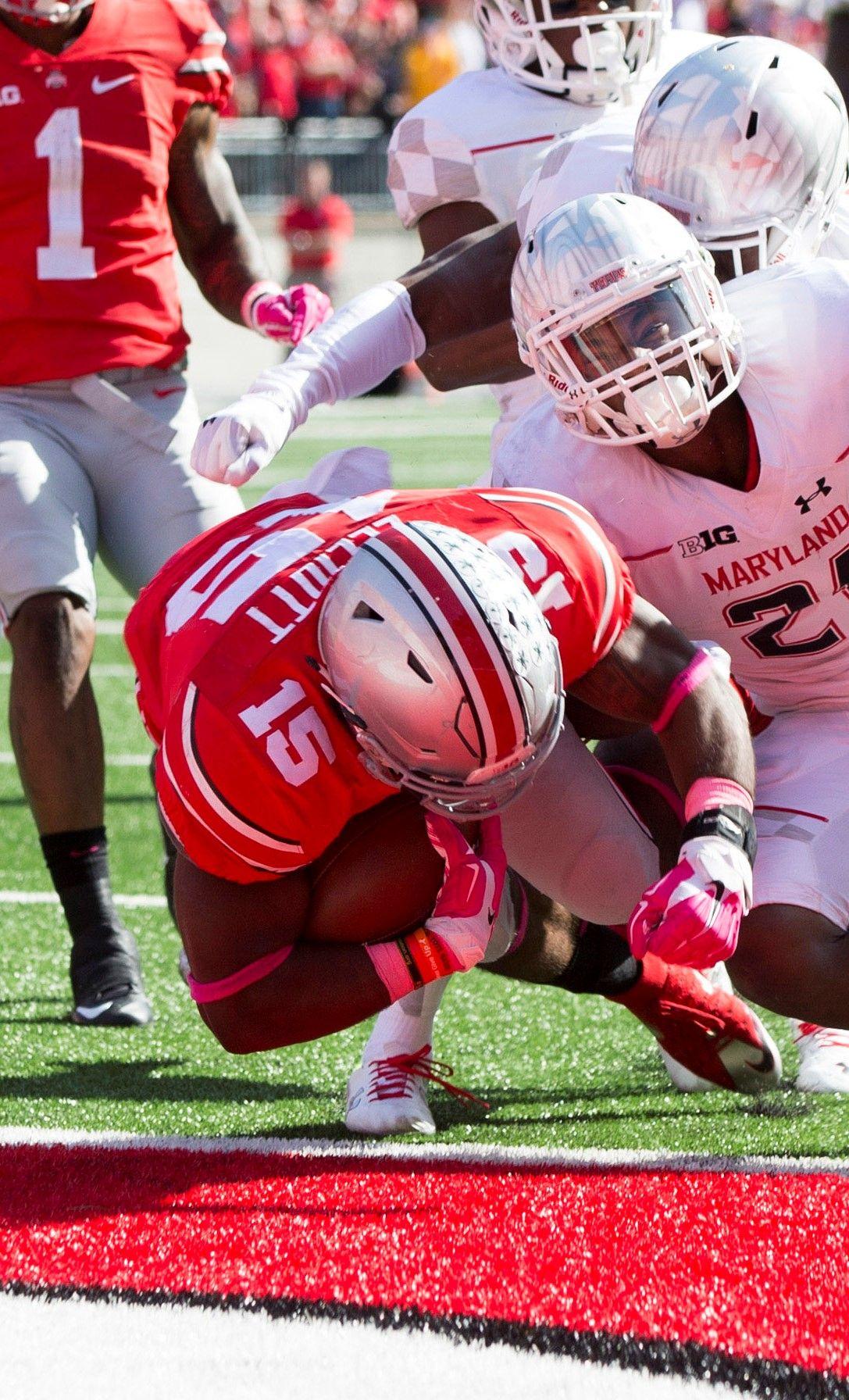 Ohio State's Ezekiel Elliott explains why he rolls up his
