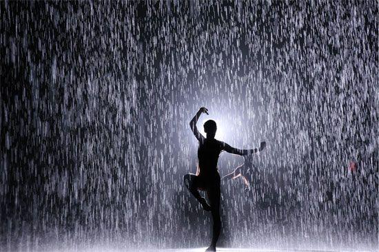 """Installation view of Random International's """"Rain Room"""" at ..."""