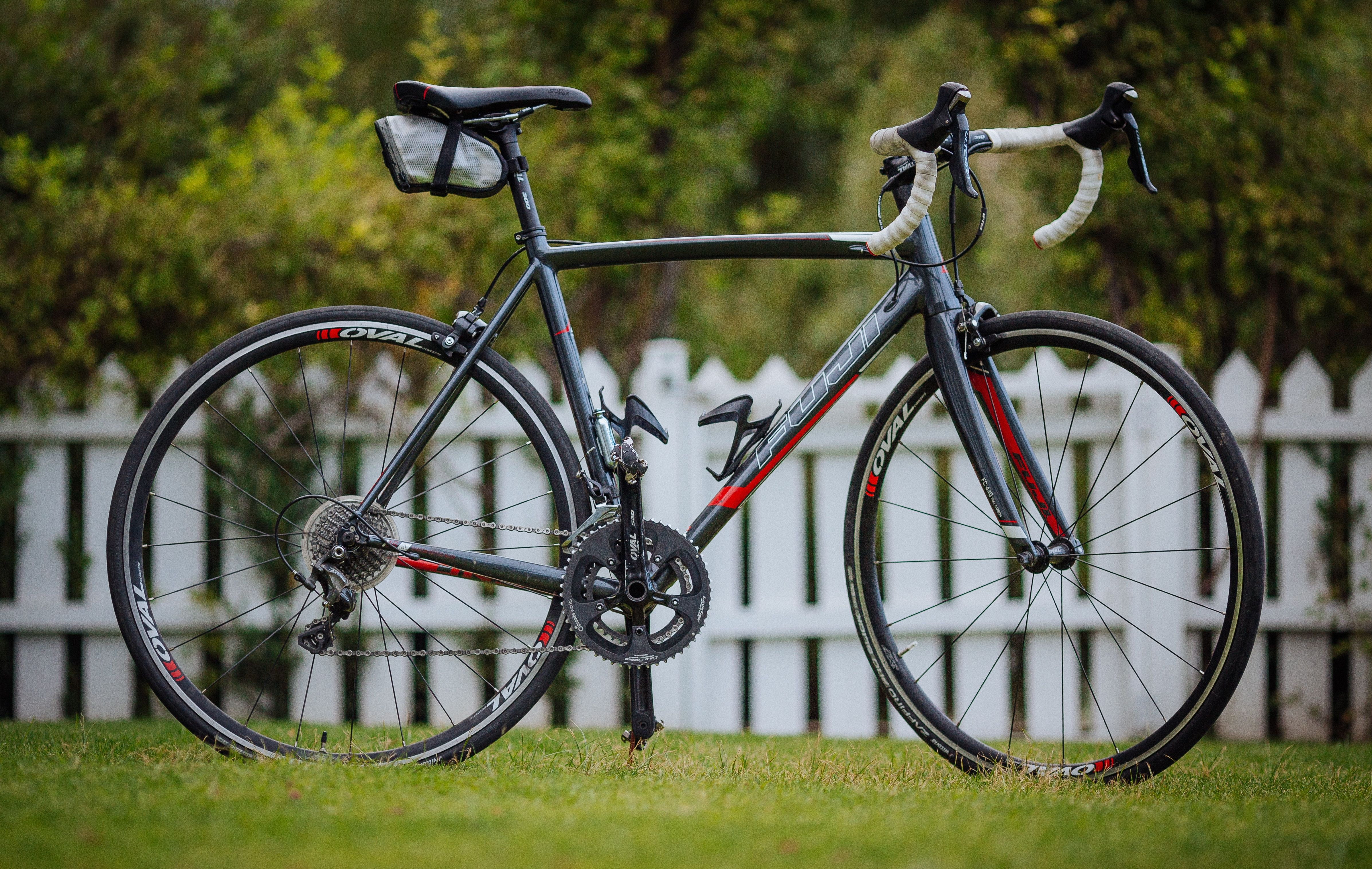 The 10 Best Road Bikes Under 300 In 2020 Beyond Sportsly Beginner Road Bike Best Road Bike Road Bikes