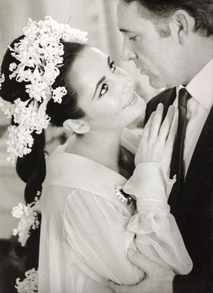 Wedding of Elizabeth Taylor and Richard Burton by by William