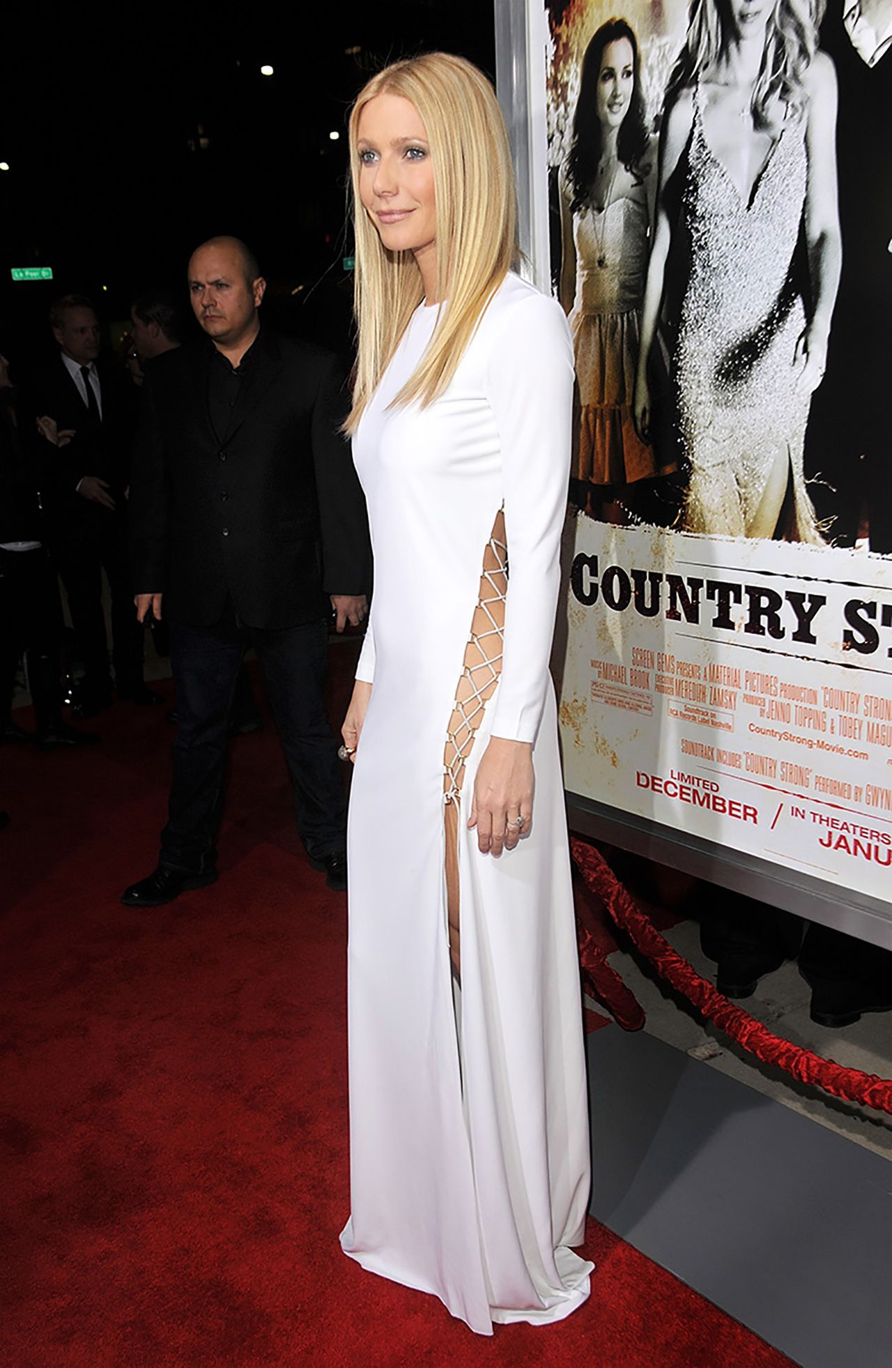 Gwyneth Paltrow In Emilio Pucci - At the Country Strong screening in Los Angeles, 2010