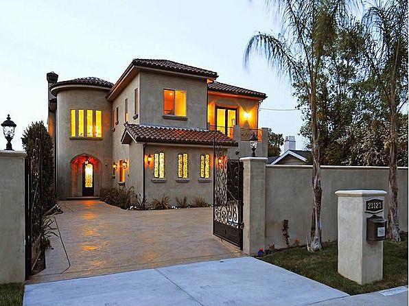 Joseph Gordon-Levitt Selling Classic '40s Home in L.A. for ...