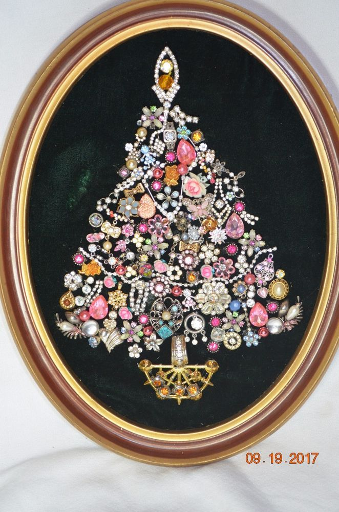 Costume Jewelry Rhinestone Framed Christmas Tree 10x13 Oval Frame Pink