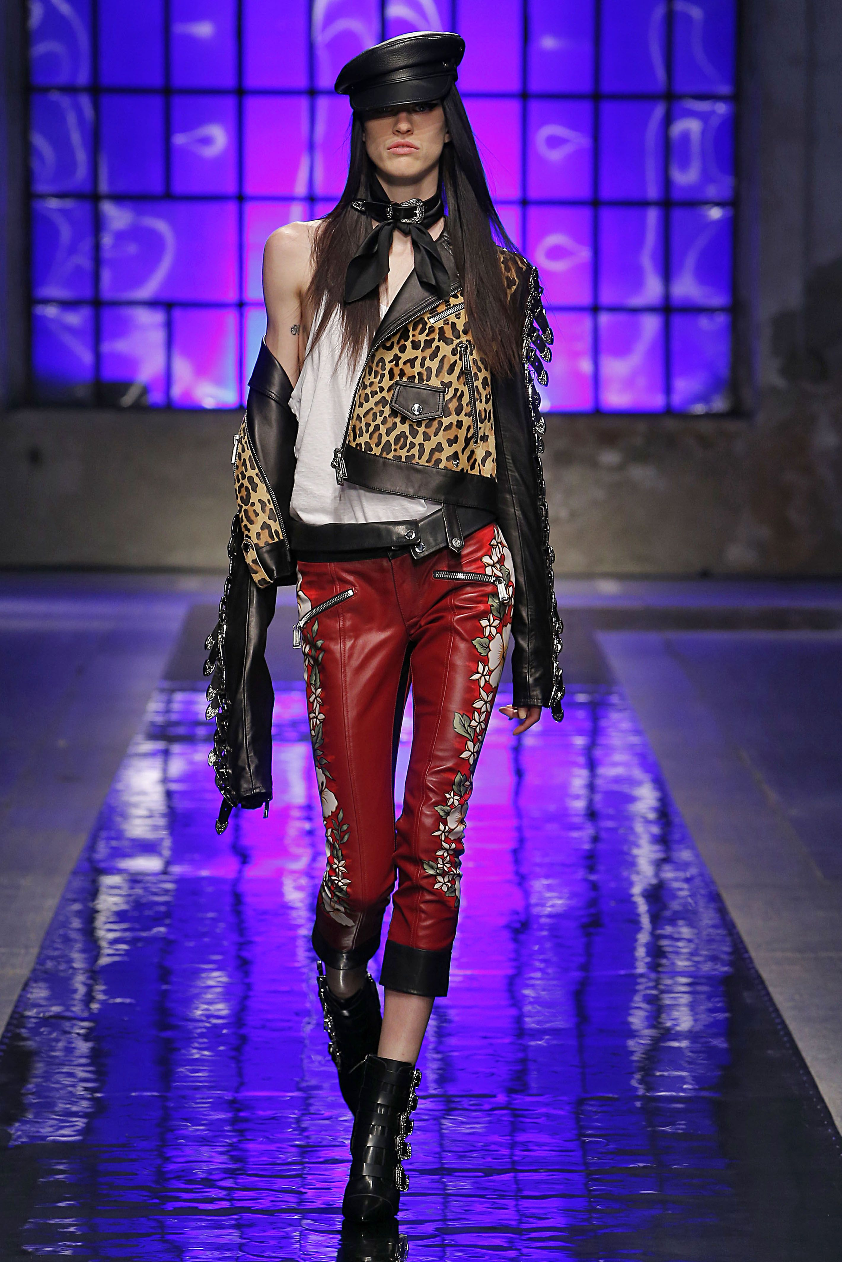 350862a8954fcd Dsquared2 Spring Summer 2018 Men and Women s Fashion Show  D2GETHER   Dsquared2  MFW