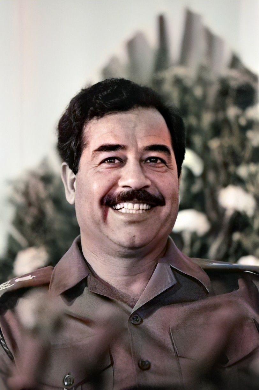 Pin By روائع الصور On صور صدام حسين عالية الوضوح Denim Outfit Historical Figures Saddam Hussein