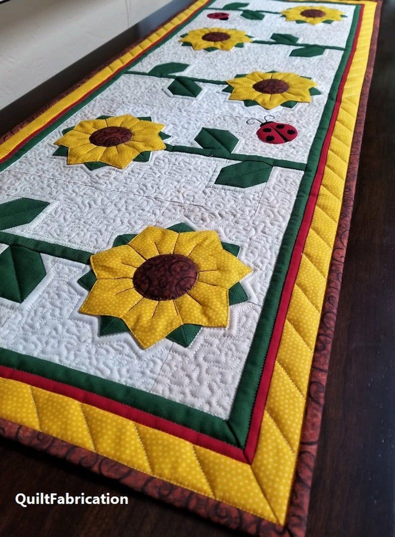 Sunflower Table Runner With Ladybugs Summer Table Decor Pdf Quilt Pattern Deco Sunflower Table Runner Quilted Table Runners Patterns Applique Table Runner