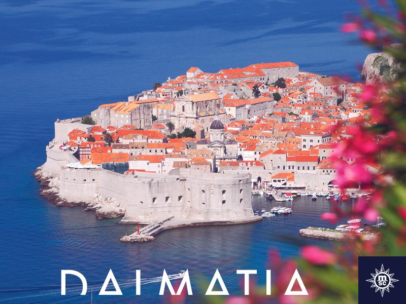 Boek je cruise naar Dubrovnik waar de lente begonnen is en elke hoek van de stad gekust wordt door de warme zon! #MSCMagnifica