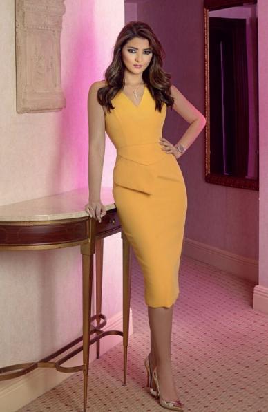 فستان أصفر ضيق اختارته مريم سعيد ناسبها وناسب قوامها بشكل لافت Fashion Covet Fashion Dresses