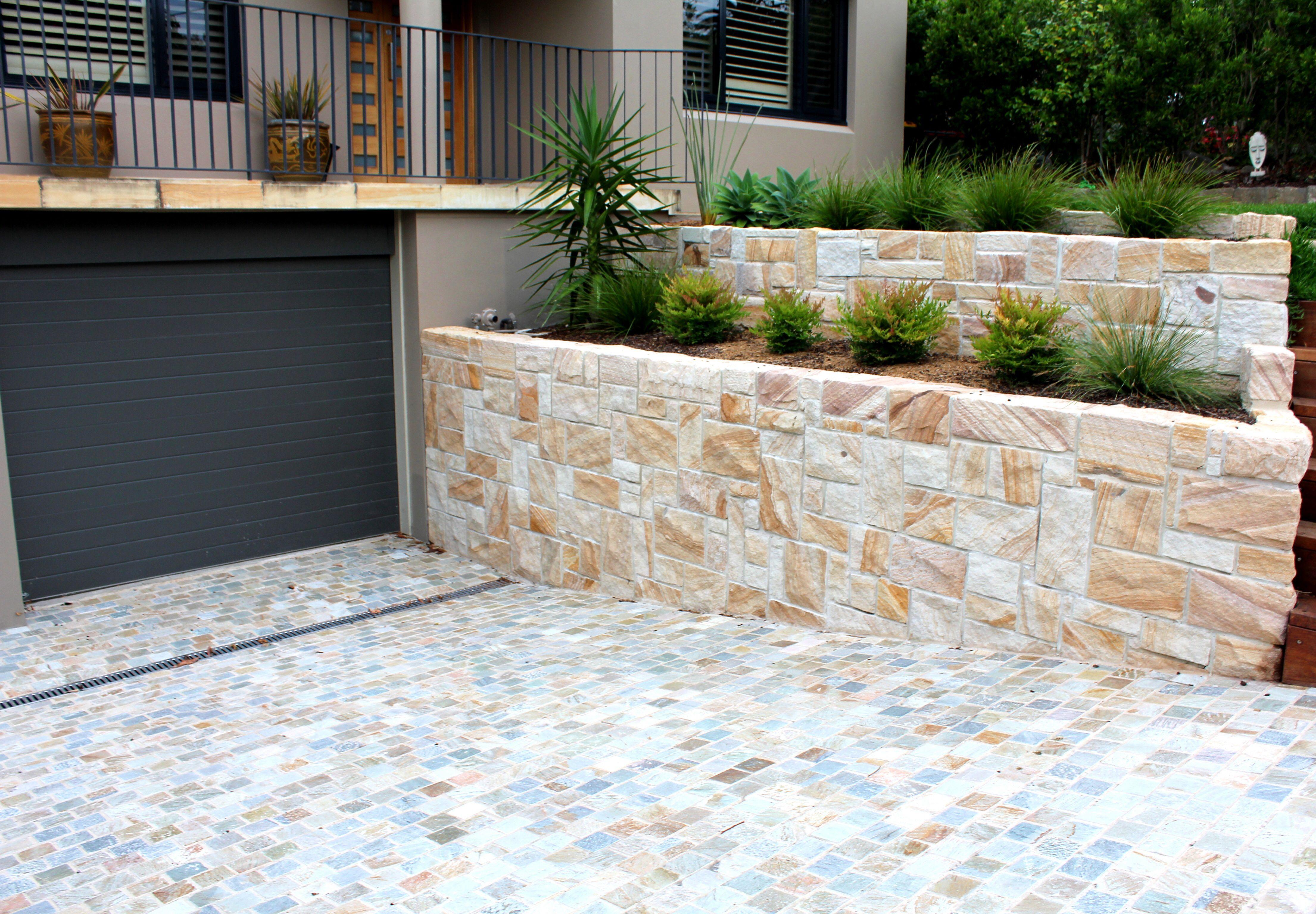 Random Ashlar Split Faced Sandstone Retaining Walls Cobb Co Cobble Stone Driveway House Cladding Stone Driveway Sandstone Wall