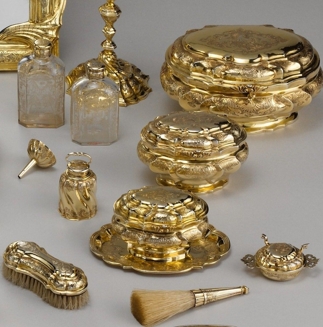 silver gilded objects for 'boudoir' from the Met (I did the editing of the photo and then forgot the exact source, I am searching for it) 18th century