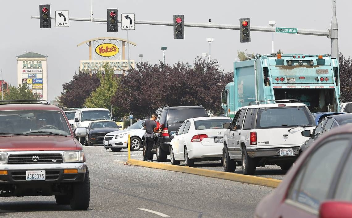 Red Light Cameras Are Coming To Pasco Wa Your 125 Ticket Will Be In The Mail Red Light Camera Pasco Traffic Camera