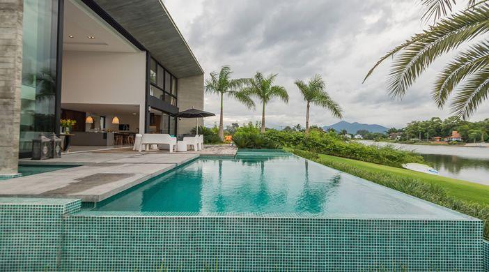 piscina com borda infinita residencial - Pesquisa Google