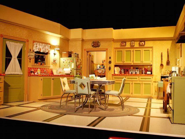 Everybody loves raymond parents house google search tv - Everybody loves raymond bedroom set ...