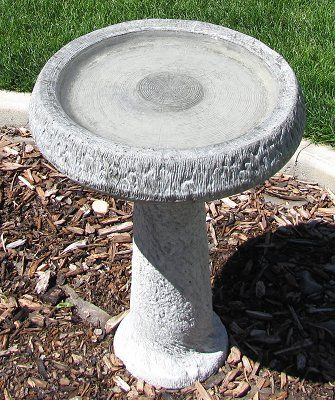 How To Clean Your Bird Bath Without Scrubbing Bird Bath Concrete Bird Bath Backyard Birds Sanctuary