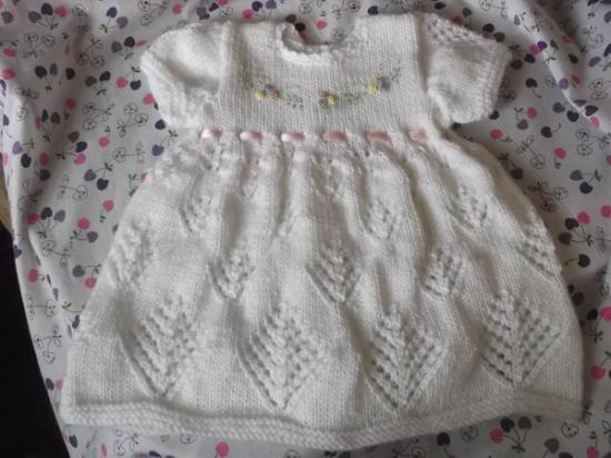 Como hacer vestidos de bebé tejidos a dos agujas - Imagui | TEJIDO ...
